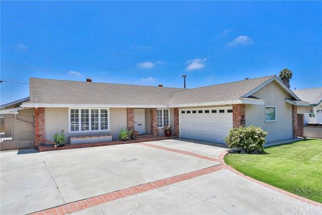 16652 Fountain Lane, Huntington Beach, CA 92647 (#OC18150968) :: Teles Properties | A Douglas Elliman Real Estate Company