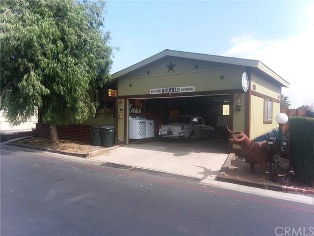 1550 Rimpau Avenue #100, Corona, CA 92881 (#IV18155676) :: Provident Real Estate