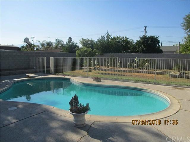 420 E South Street, Rialto, CA 92376 (#IV18162321) :: Mainstreet Realtors®