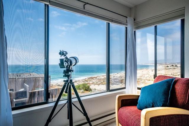 125 Surf Way #424, Monterey, CA 93940 (#ML81713296) :: RE/MAX Parkside Real Estate