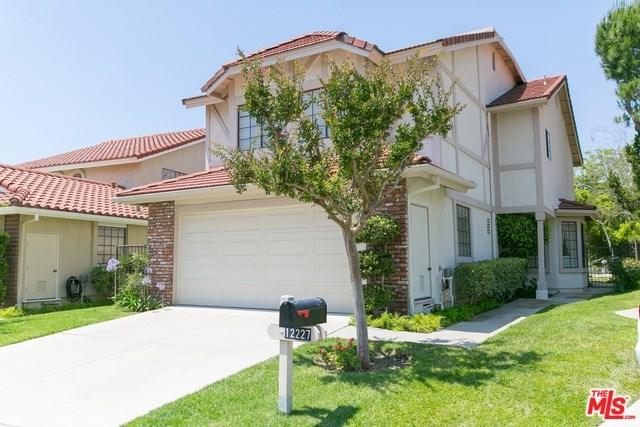 12227 Shady Hollow Lane, Northridge, CA 91326 (#18363364) :: RE/MAX Masters