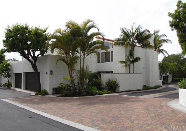 21 Canyon Crest Drive, Corona Del Mar, CA 92625 (#OC18142103) :: Scott J. Miller Team/RE/MAX Fine Homes