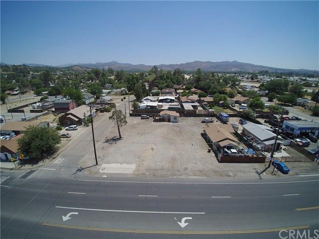 43921 State Highway 74, Hemet, CA 92544 (#TR18169002) :: RE/MAX Empire Properties