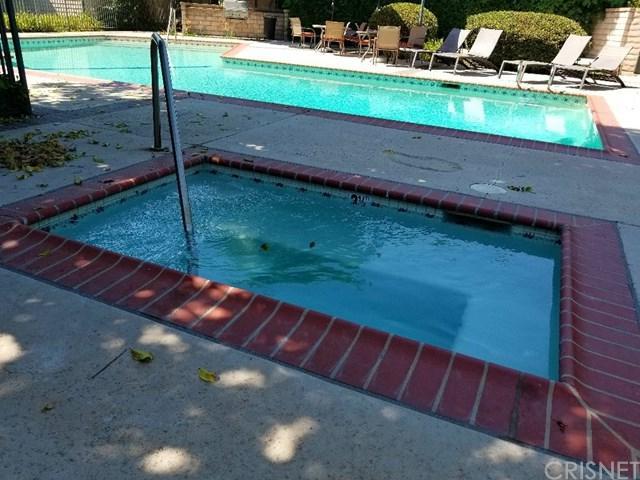 18836 Hatteras Street A, Tarzana, CA 91356 (#SR18169016) :: Fred Sed Group