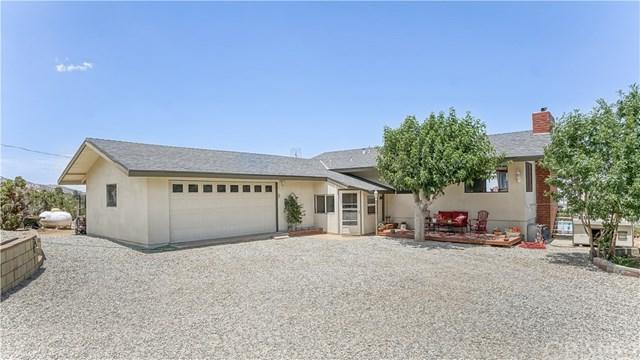 11601 Beaucourt Lane, Juniper Hills, CA 93543 (#SR18169472) :: RE/MAX Masters