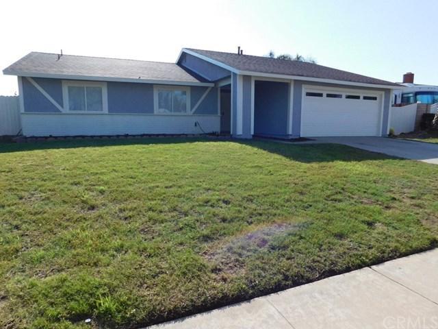 702 N Beechwood Avenue, Rialto, CA 92376 (#CV18169997) :: RE/MAX Masters
