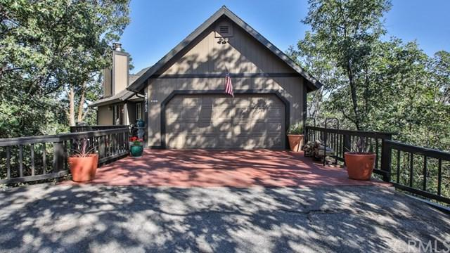 28782 Zion Drive, Lake Arrowhead, CA 92352 (#CV18170157) :: Angelique Koster