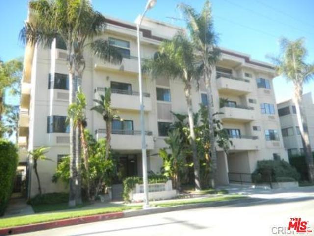 5319 Lindley Avenue #202, Tarzana, CA 91356 (#18365378) :: Fred Sed Group
