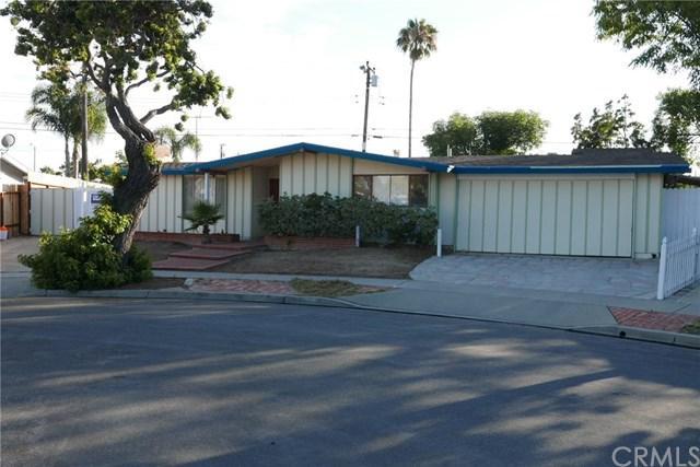 1713 Orcas Drive, Costa Mesa, CA 92626 (#OC18170358) :: Mainstreet Realtors®