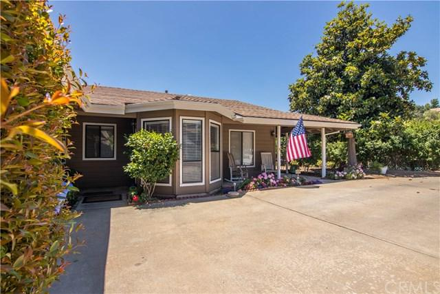 720 Carnation Lane, Fallbrook, CA 92028 (#SW18171088) :: Kristi Roberts Group, Inc.