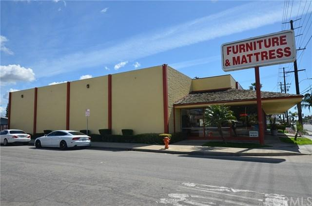 565 N Tustin Street, Orange, CA 92867 (#OC18171364) :: Ardent Real Estate Group, Inc.