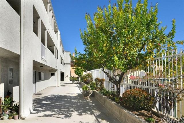 1706 Grismer Avenue #206, Burbank, CA 91504 (#BB18163578) :: Ardent Real Estate Group, Inc.