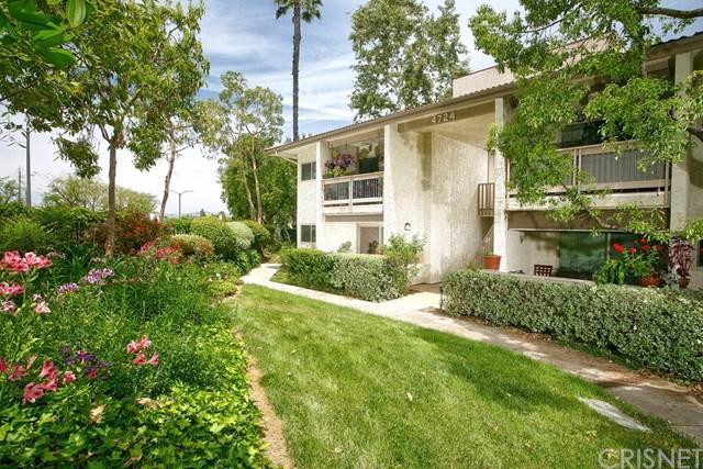 4724 Park Granada #217, Calabasas, CA 91302 (#SR18171266) :: Fred Sed Group