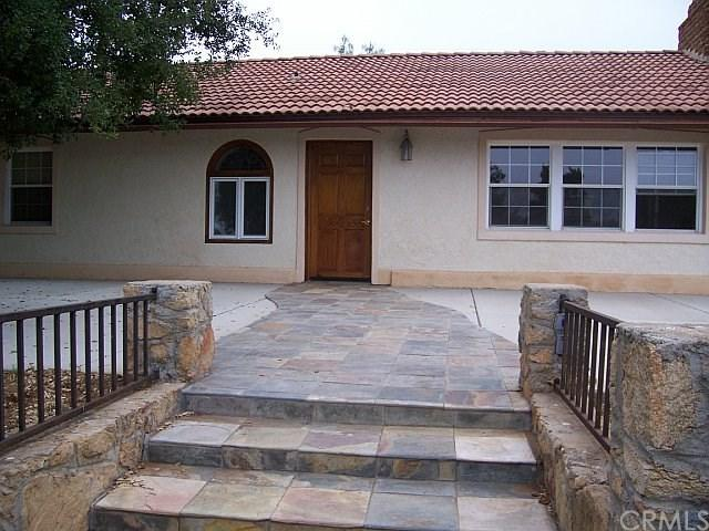 1702 Rice Canyon Road, Fallbrook, CA 92028 (#SW18171748) :: Kristi Roberts Group, Inc.