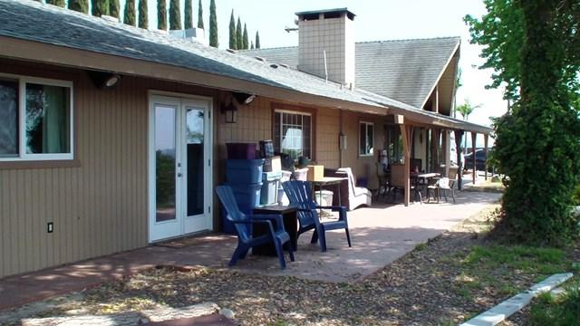 5463 Rainbow Heights Rd, Fallbrook, CA 92028 (#180039173) :: Fred Sed Group