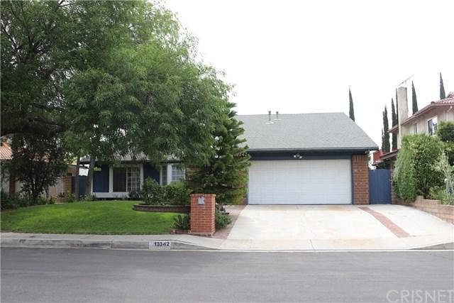 13342 Meadow Wood Lane, Granada Hills, CA 91344 (#SR18172640) :: Fred Sed Group