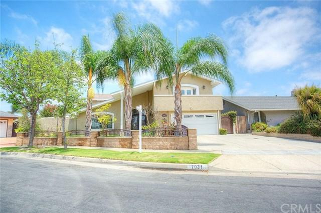 7031 Heil Avenue, Huntington Beach, CA 92647 (#OC18172709) :: The Laffins Real Estate Team
