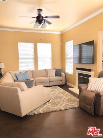 15021 Oak Spring Drive, Fontana, CA 92336 (#18366240) :: Mainstreet Realtors®