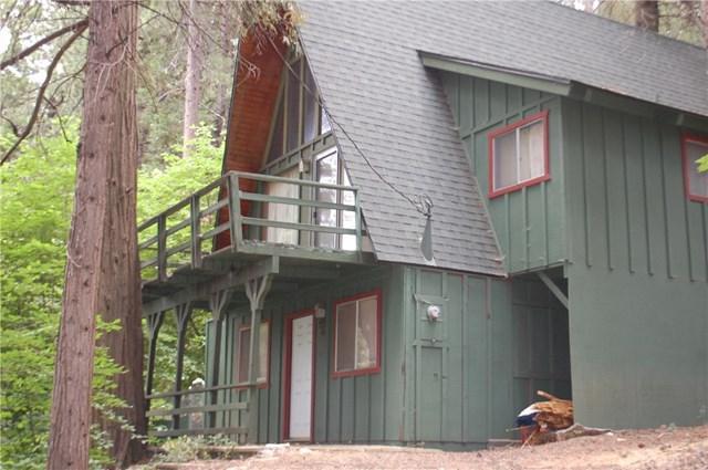 911 Kuffel Canyon Road, Lake Arrowhead, CA 92385 (#IV18171953) :: Angelique Koster