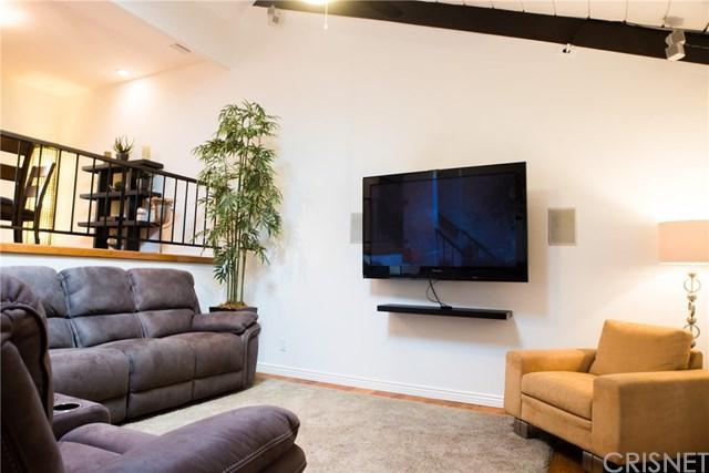4227 Colfax Avenue B, Studio City, CA 91604 (#SR18172847) :: Fred Sed Group