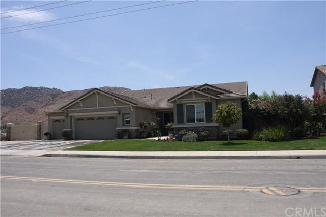 28451 Brodiaea Avenue, Moreno Valley, CA 92555 (#OC18174056) :: The DeBonis Team