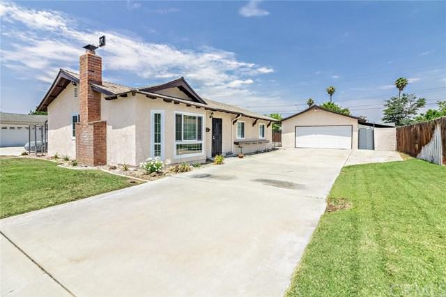8831 Holly Lane, Riverside, CA 92503 (#IV18160811) :: The DeBonis Team