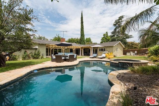 22420 Hatteras Street, Woodland Hills, CA 91367 (#18366608) :: RE/MAX Masters