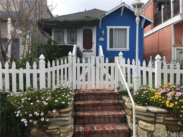 3045 S Kerckhoff Avenue, San Pedro, CA 90731 (#SB18175947) :: Kim Meeker Realty Group