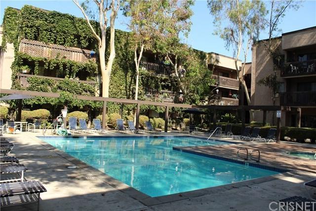 22100 Burbank Boulevard 328C, Woodland Hills, CA 91367 (#SR18175725) :: RE/MAX Masters