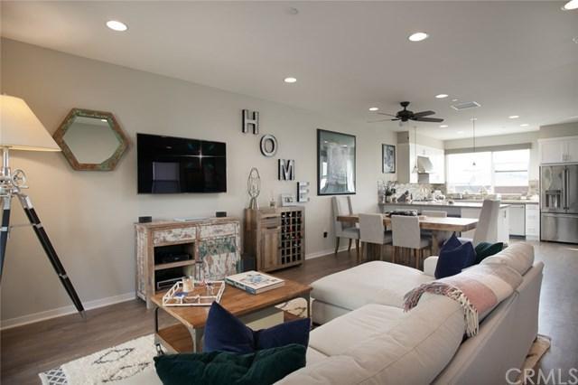 1534 Wilshire Way, Costa Mesa, CA 92627 (#OC18175956) :: DiGonzini Real Estate Group