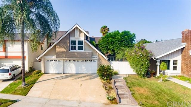 25475 Coral Wood Street, Lake Forest, CA 92630 (#OC18176110) :: DiGonzini Real Estate Group