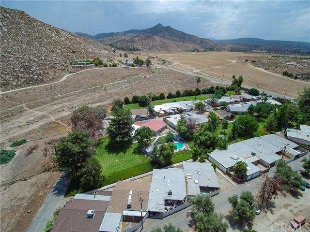620 Gibbel Road, Hemet, CA 92543 (#SW18176160) :: Allison James Estates and Homes