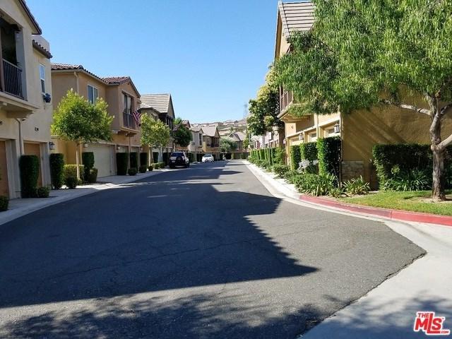 28454 Santa Rosa Lane, Saugus, CA 91350 (#18368510) :: Fred Sed Group