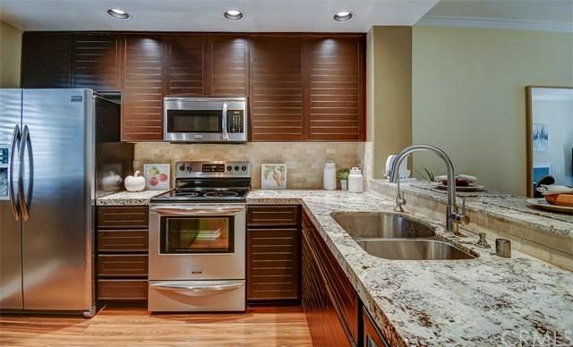 2233 Martin #309, Irvine, CA 92612 (#OC18184071) :: Z Team OC Real Estate