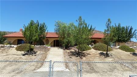 28067 Hwy 74, Lake Elsinore, CA 92532 (#IG18184650) :: RE/MAX Empire Properties