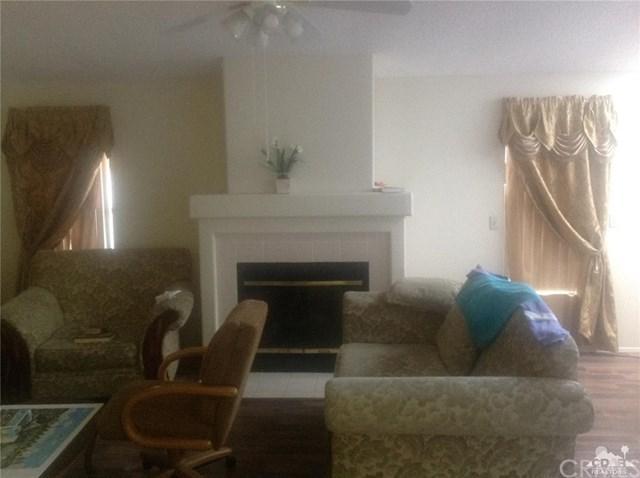 74711 Dillon Rd #610 Road #610, Desert Hot Springs, CA 92241 (#218021606DA) :: Barnett Renderos