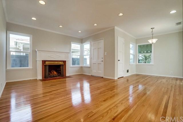 1374 W Ofarrell Street, San Pedro, CA 90732 (#SB18183320) :: Keller Williams Realty, LA Harbor