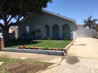 24426 Broad Avenue, Wilmington, CA 90744 (#PW18191280) :: Impact Real Estate
