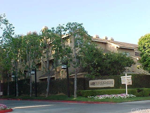 2567 Plaza Del Amo #107, Torrance, CA 90503 (#SB18191642) :: Z Team OC Real Estate