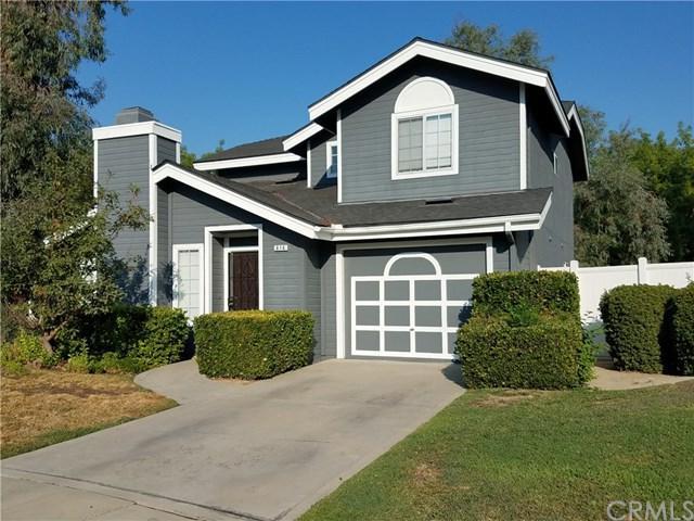 616 E Rock Creek Lane, Fresno, CA 93730 (#FR18191873) :: Pismo Beach Homes Team
