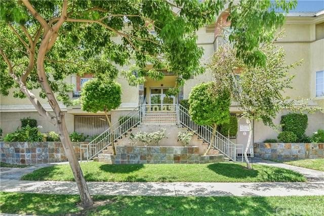7045 Woodley Avenue #126, Lake Balboa, CA 91406 (#SR18192559) :: Z Team OC Real Estate