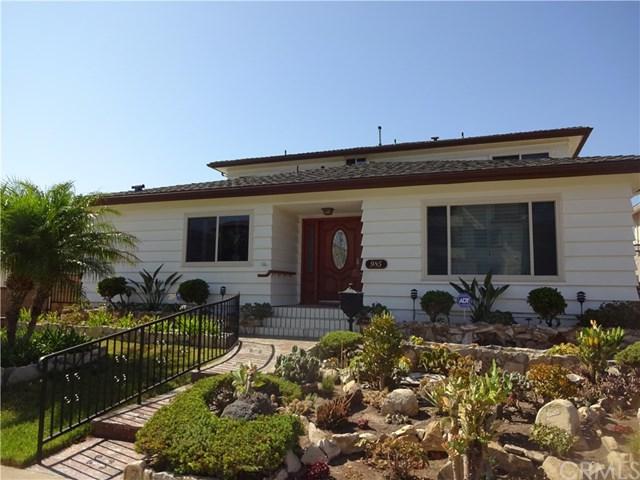 985 W 9Th Street, San Pedro, CA 90731 (#SB18192872) :: Z Team OC Real Estate