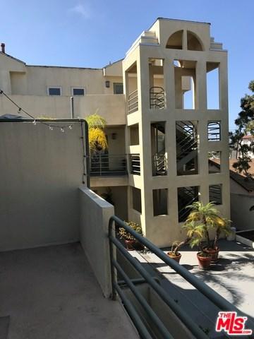723 3RD Street, Hermosa Beach, CA 90254 (#18372818) :: Go Gabby