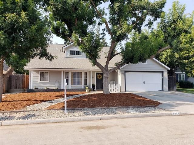 2092 E Cromwell Avenue, Fresno, CA 93720 (#FR18194219) :: Pismo Beach Homes Team