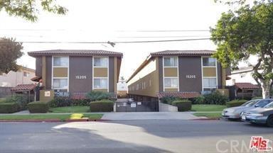 15205 S Budlong Avenue #7, Gardena, CA 90247 (#SB18189254) :: RE/MAX Masters