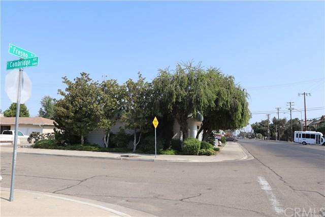 2051 N Fresno Street, Fresno, CA 93703 (#FR18196012) :: Pismo Beach Homes Team