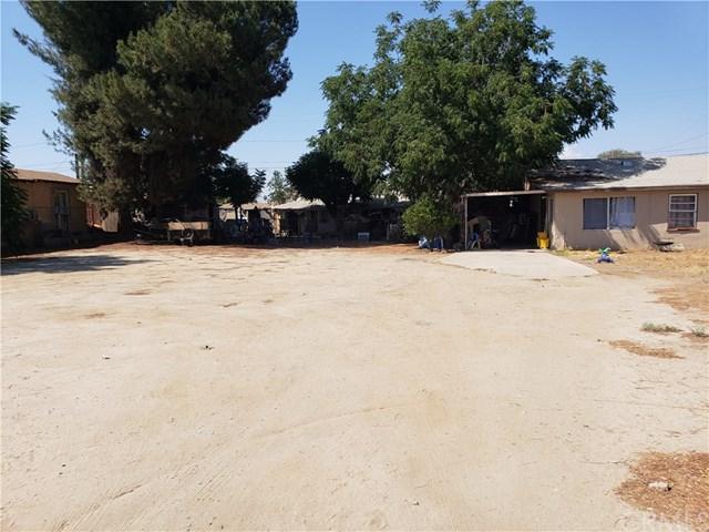 232 W 5th Street, Perris, CA 92570 (#DW18197580) :: RE/MAX Empire Properties