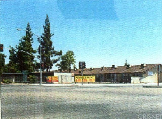 4518 E Fountain Way, Fresno, CA 93726 (#SR18198819) :: Pismo Beach Homes Team