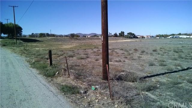 1321 N State Street, Hemet, CA 92543 (#SW18198865) :: Impact Real Estate