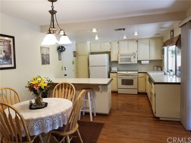 1880 Silver Oak Way, Hemet, CA 92545 (#OC18199189) :: Impact Real Estate